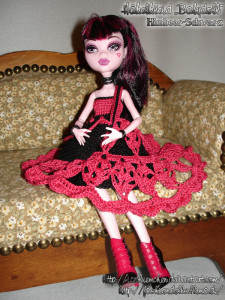 Draculaura's Babydoll Schuloutfit - Bild 01