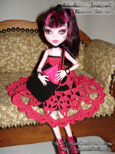 Draculaura's Babydoll Schuloutfit - Bild 02