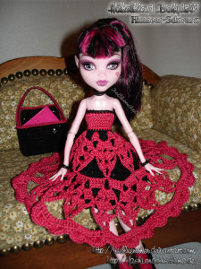 Draculaura's Babydoll Schuloutfit - Bild 04